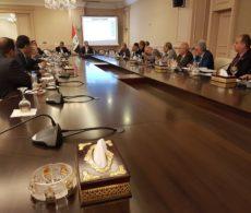 مناقشة التحديات المالية والاقتصادية مع اللجنة المالية في مجلس الوزراء